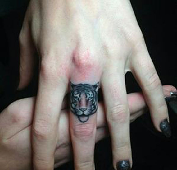 Finger-tatoo-(13)