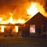 داستان حکمت آموز کوتاه(مردی که در خانه داخل شعله آتش نشسته بود),مردی که در خانه داخل شعله آتش نشسته بود,داستان حکمت آمیز