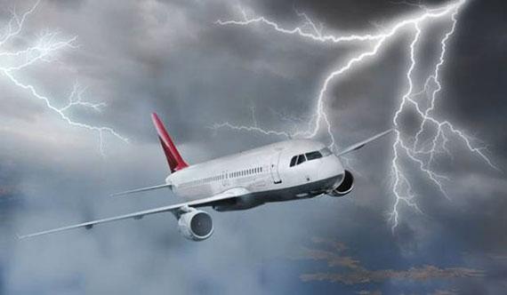 داستان جالب(هواپیمای طوفان زده و دختر آرام خلبان),هواپیمای طوفان زده و دختر آرام خلبان,داستان جالب