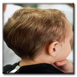 مرتب کردن موی پسربچه هادرمنزل
