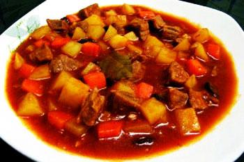 یک غذای رژیمی با سبزیجات و سویا