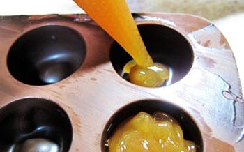 طرز تهیه شکلات کاراملی