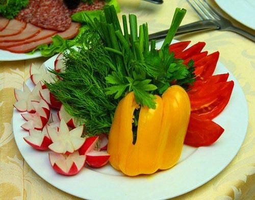تزیین گوجه و خیار برای سالاد,تزیین سالاد گوجه و خیار,تزیین انواع سالاد