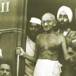 داستان کوتاه و جذاب (گاندی و لنگه کفش او در قطار),گاندی و لنگه کفش او در قطار,گاندی و قطار,داستان کوتاه آموزنده,داستان کوتاه خنده دار,داستان کوتاه طنز