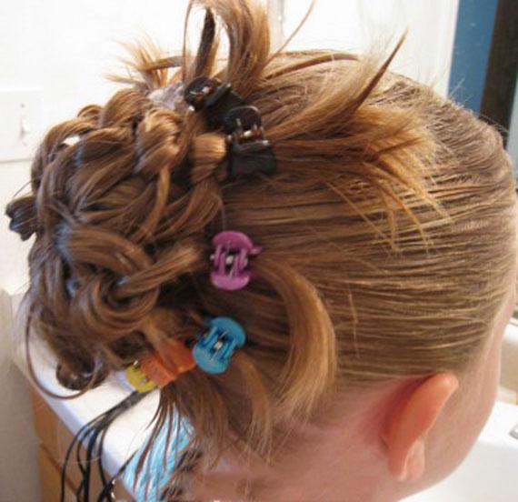 آموزش تصویری مدل موهای دم منگوله دار طاووس,آموزش تصویری آرایش مو دخترانه,آموزش تصویری آرایش مو در خانه, آموزش تصویری آرایش موی دخترانه