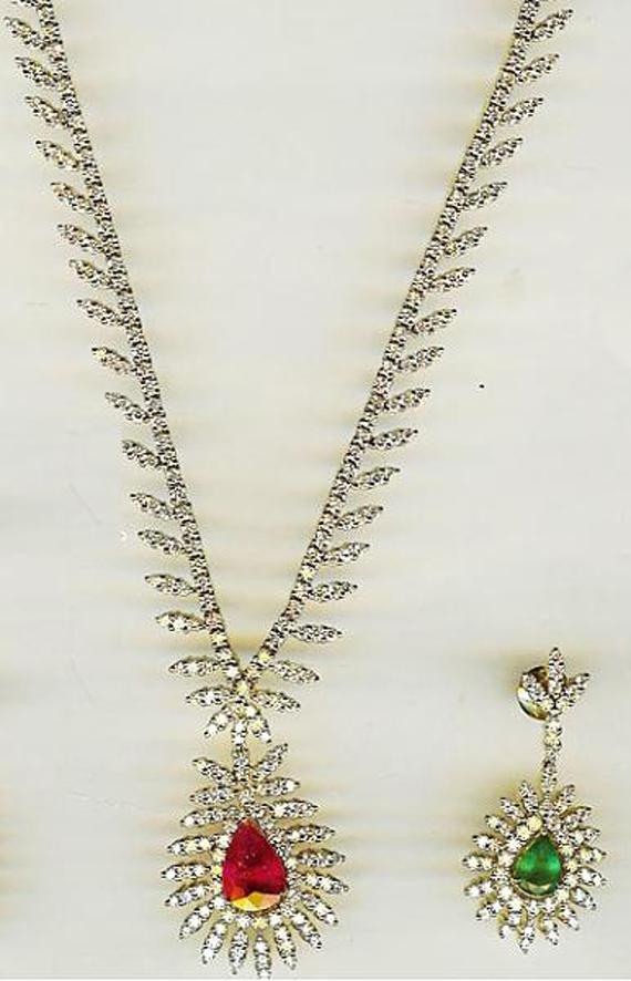 عکس مدل گردنبند با سنگ,عکس مدل گردنبند طلا با سنگ,عکس مدل های گردنبند سنگ