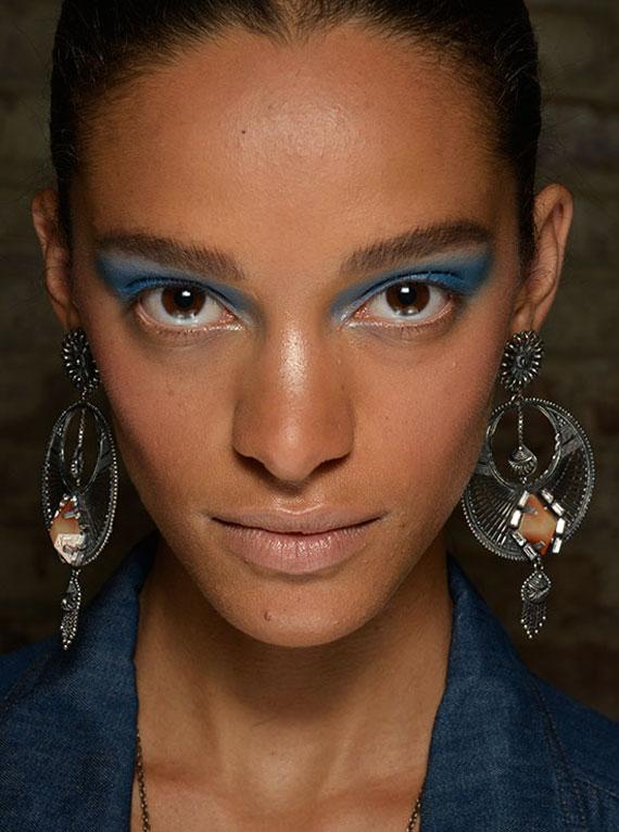 new-makeup-blue-eyes-(6)