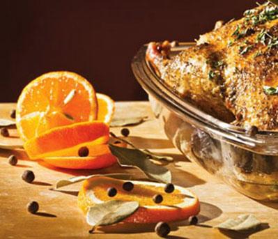 مرغ بریان با پرتقال و آلوی جنگلی